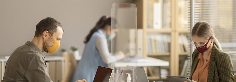 barriere in plexyglass per ufficio