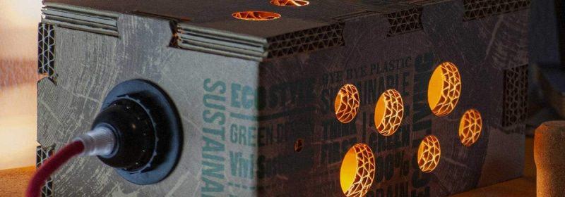 lampada di design in cartone stampato